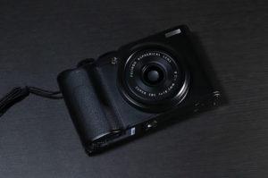 フジフィルムXF10のデザイン