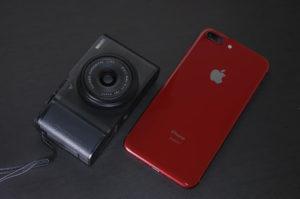 フジフィルムXF10とiphone8プラス