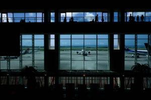 フジフィルムXF10の作例 那覇空港