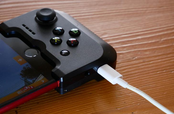 GAMEVICEを使用中でも充電は可能