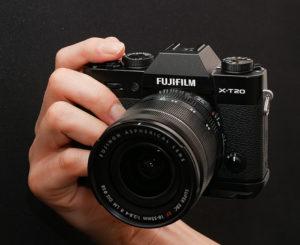 富士フイルムX-T20にハンドグリップMHG-XT10