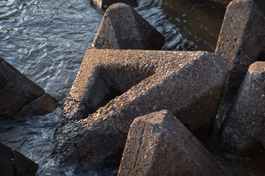 内浦湾のテトラポット
